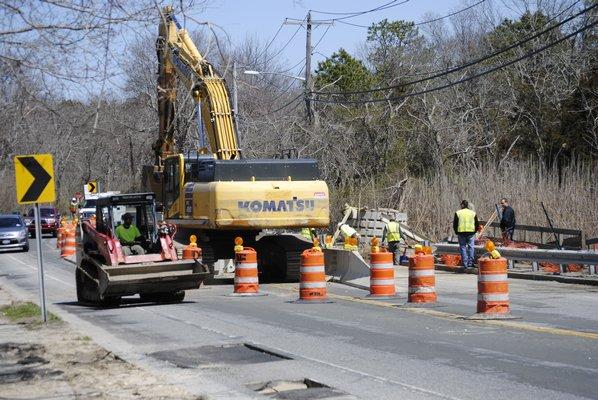 Construction on Montauk Highway in East Quogue. AMANDA BERNOCCO