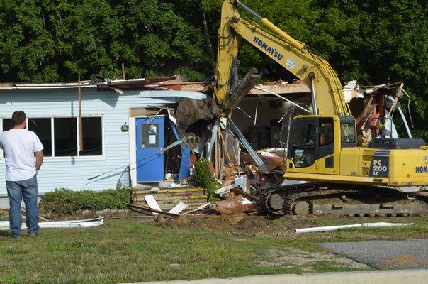 Demolition of the portables at Easport Elementary School began Monday morning. ALEXA GORMAN