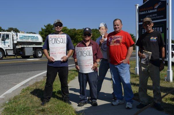 Local 66 union members protesting Wednesday. ALEXA GORMAN
