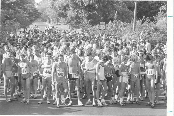 Just prior to the start of the inaugurak Shelter Island 10K in 1980. The prestigous race is entering its 40th year this weekend.