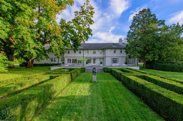 Part of Lasata, where Jackie Kennedy Onassis spent much of her childhood, in 121 Further Lane in East Hampton Village sold for $24 million. COURTESY BHS/CORCORAN/DOUGLAS ELLIMAN