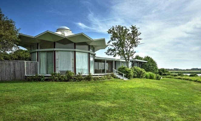 The home at 719 Ocean Road in Bridgehampton sold for $22,711,119. COURTESY CORCORAN