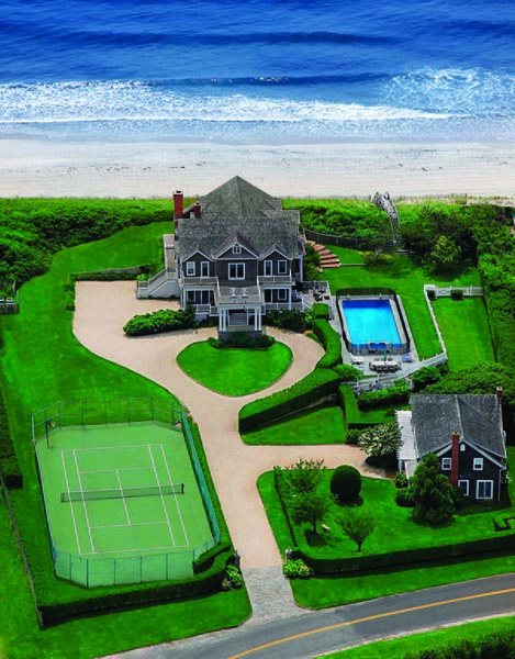 An oceanfront home at 466 Gin Lane in Southampton. COURTESY PRUDENTIAL DOUGLAS ELLIMAN