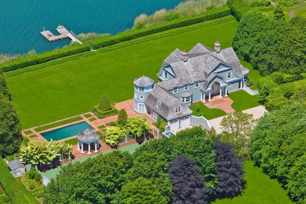 The house at 86 Bay Lane in Water Mill sold for $18.4 million. COURTESY SOTHEBY'S INTERNATIONAL REALTY