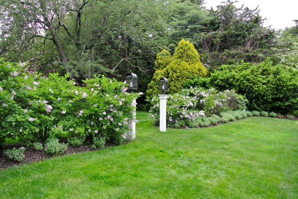 Animal Rescue Fund Of The Hamptons To Host Garden Tour 27 East
