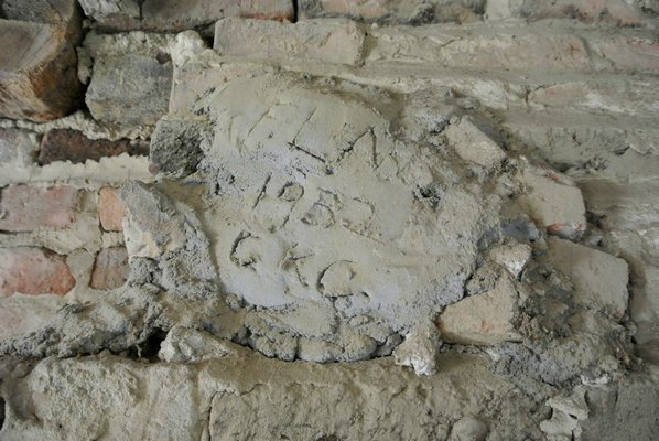 Mortar on the chimney shows a date of 1938 and the initials C.K.C.   DANA SHAW