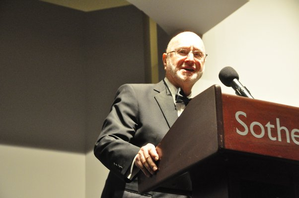 Jules Feiffer accepts the Lifetime Achievement Award for Literary-Media Arts. MICHELLE TRAURING