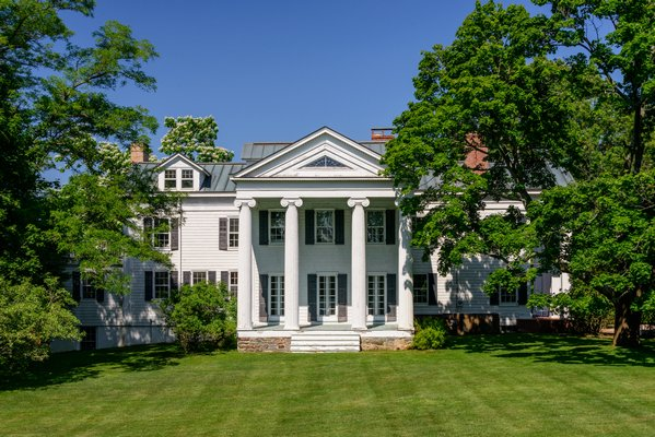 Christie Brinkley's North Haven property at 1 Fahys Road has sold. COURTESY DOUGLAS ELLIMAN