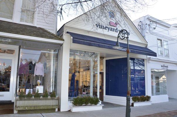 Crews were seen packing up Vineyard Vines in Southampton Village on Monday, after closing earlier in January. GREG WEHNER