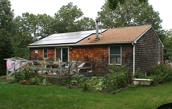 The Guglielmo home, in East Hampton, has a 10 kilowatt photovoltaic system intalled on their roof. Their electricity bill is $5.60 a month.