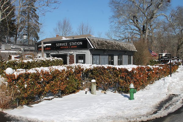 Service Station Restaurant Owners Are Out  Lease Sold Back