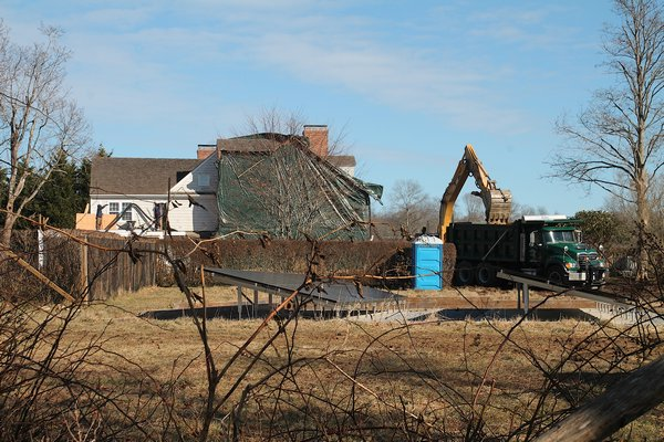 Construction at Alec Baldwin's house on Town Lane in Amagansett. KYRIL BROMLEY