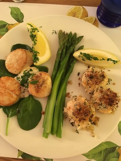 Seared scallops and crusted sea scallops BY JANEEN SARLIN