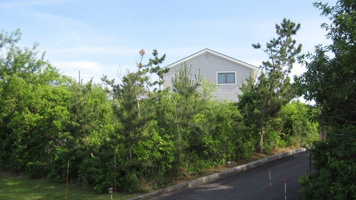 For $120,000 per month, this Montauk rental could be yours.