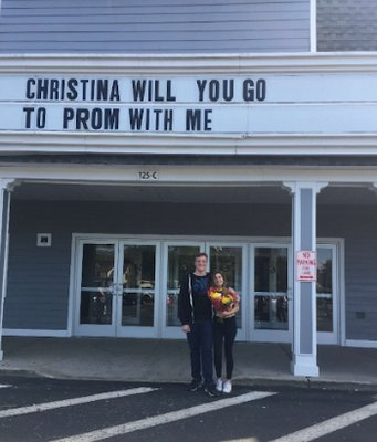 Benjamin Sohtz  promposed to Christina Pasca in 2017 at the movie theater before their senior prom.