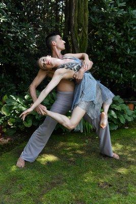 Members of Amanda Selwyn Dance Theatre.