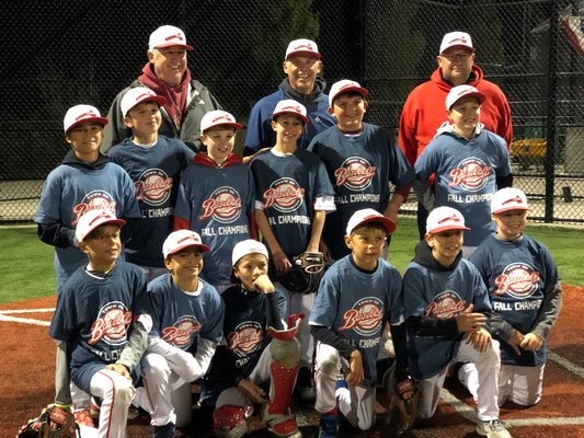 The East End Tomahawks 10U baseball team won the Town of Brookhaven Fall League Championship under the lights at the Eastport-South Manor Athletic Complex on Saturday night.