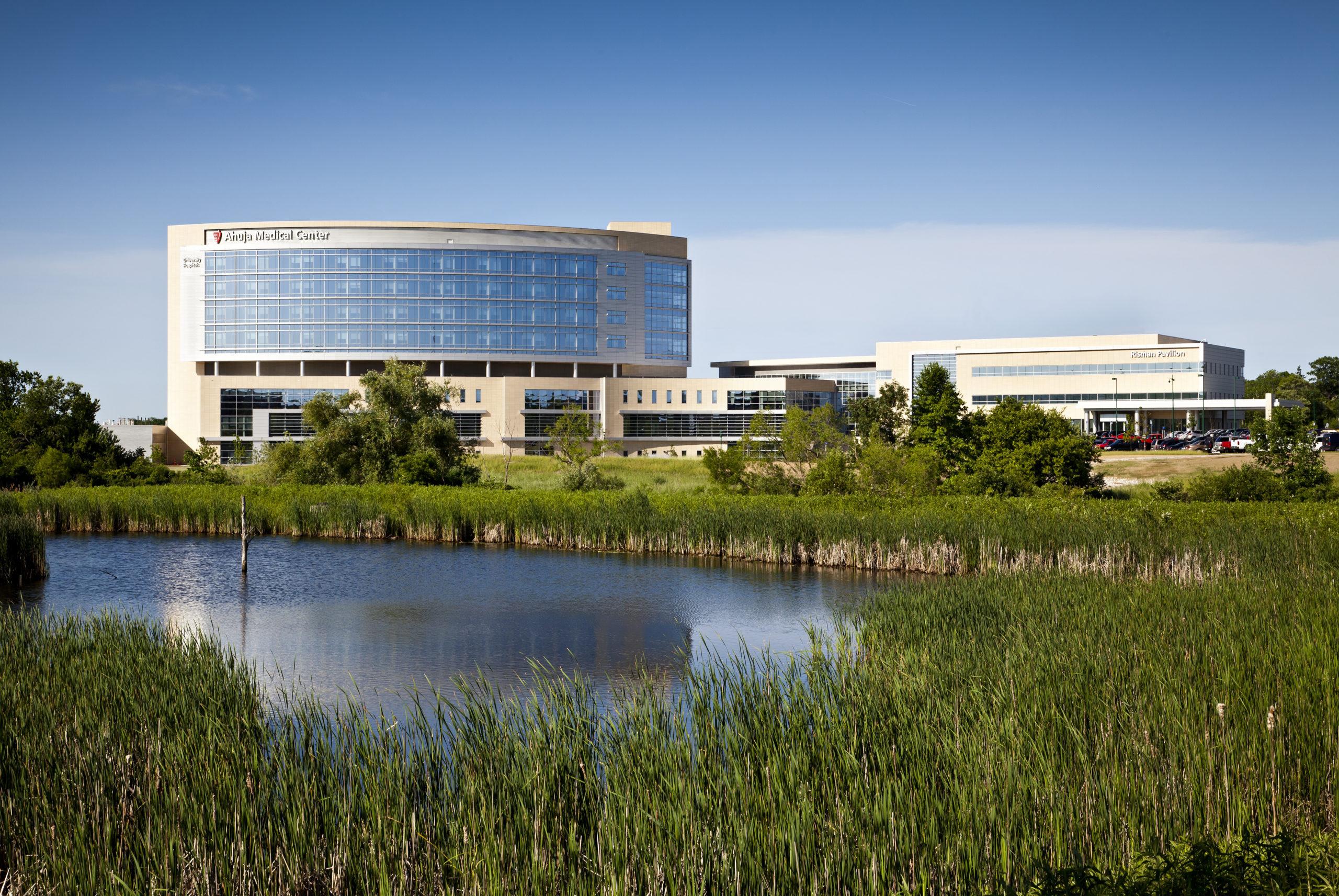 University Hospitals Ahuja Medical Center, Beachwood, OH.                  Courtesy HKS Architects