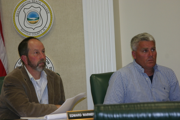 turned out for the meeting with the Trustees on Wednesday to discuss new restrictions on the harvest of razor clams.