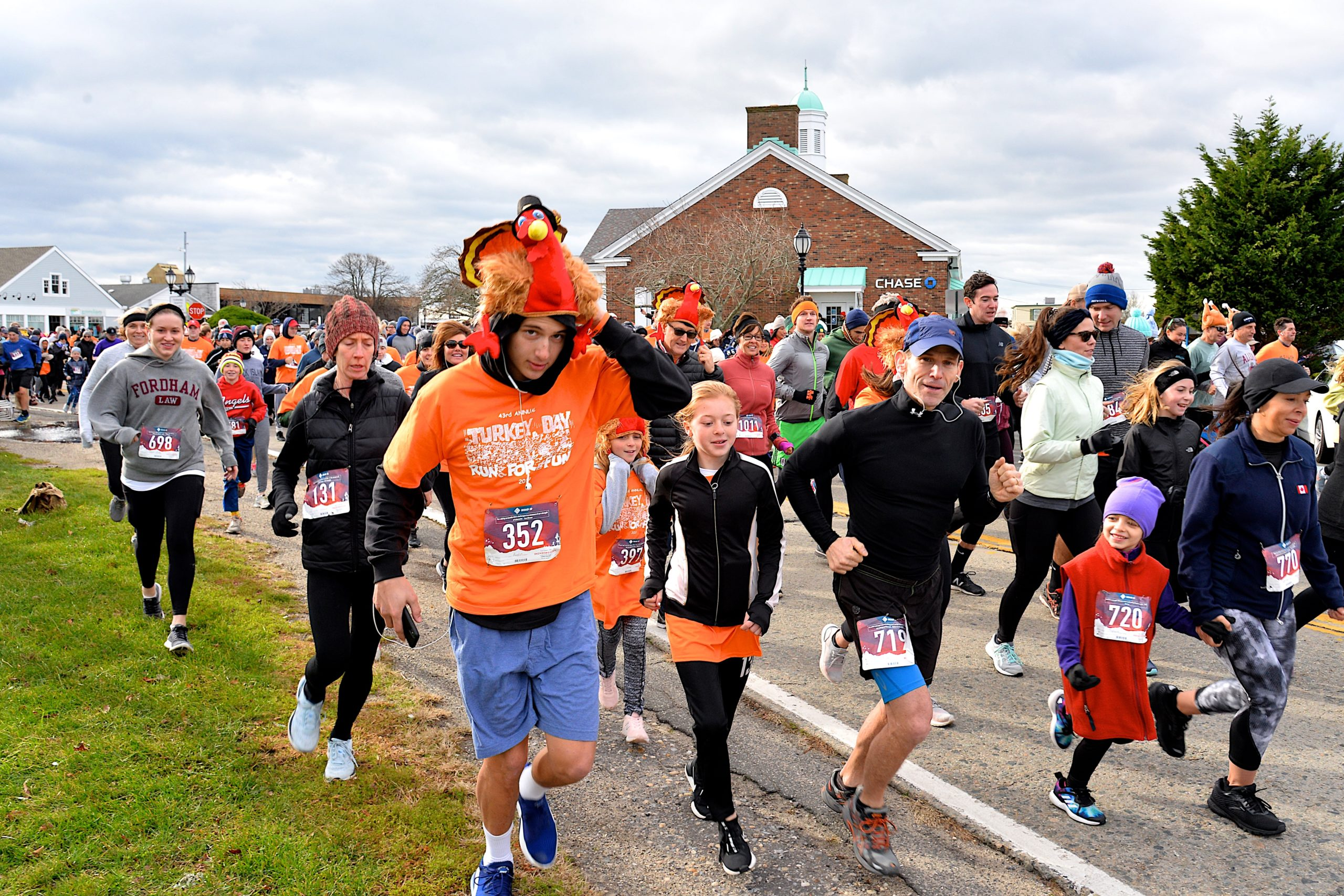 The annual Thanksgiving Day tradition continued in Montauk with the Turkey Trot around Fort Pond. KYRIL BROMLEY