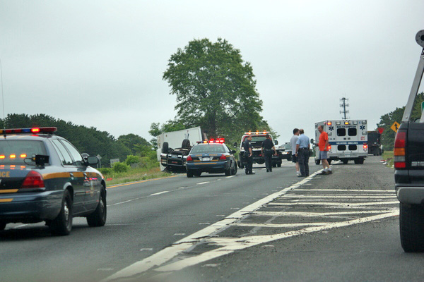A car accident closed down a part of Sunrise Highway onThursday morning. ROHMA ABBAS