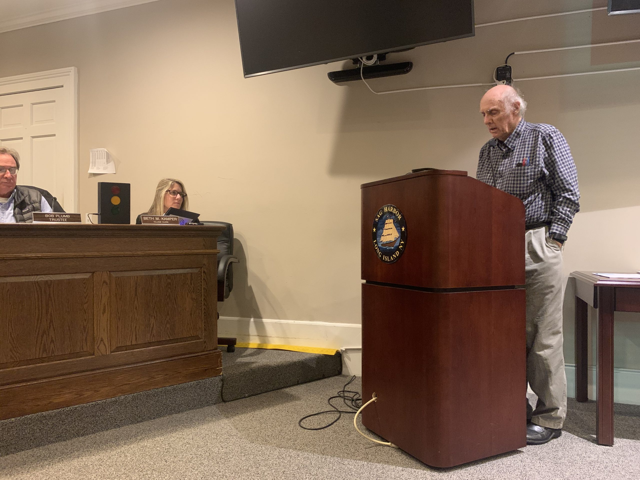 Larry Penny supporting an addition to the Sag Harbor Village zoning code that would limit clearing on vacant lots.