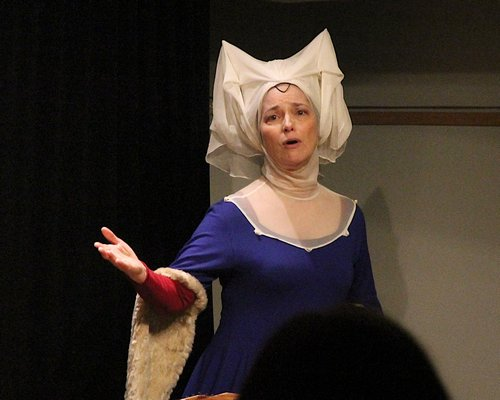 Suzanne Savoy as Christine de Pizan in her one-woman show