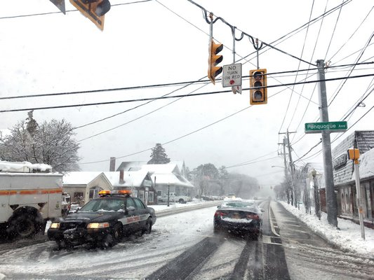 Some traffic light were down in Hampton Bays due to the nor'easter.     DANA SHAW