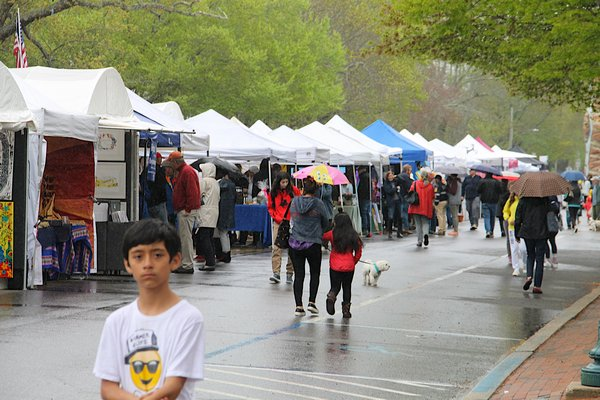 The 2018 East Hampton Chamber of Commerce Spring Street Fair.                         PRESS FILE