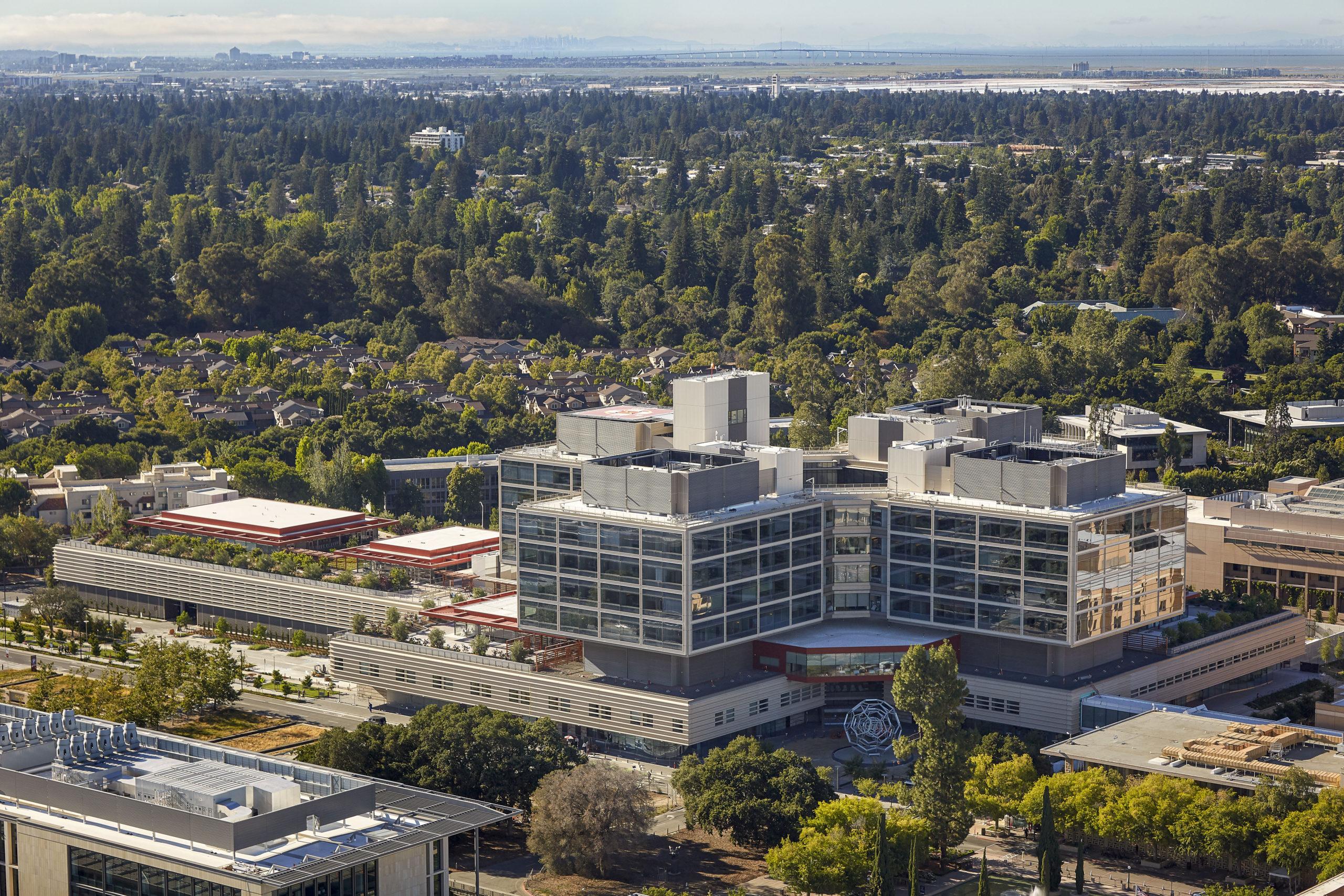 New Stanford Hospital.                                             ©Will Pryce, Courtesy Rafael Viñoly Architects