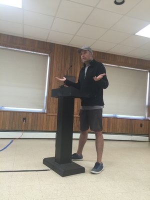 Tom Muse speaks about decibel levels at Tuesday's Town Board work session in Montauk. MICHAEL WRIGHT