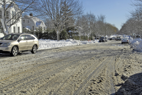 South Main Street in Southampton Village on Thursday afternoon. DANA SHAW