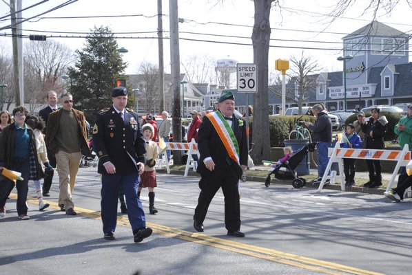 Counter protestors during the march in Hampton Bays on Thursday. AMANDA BERNOCCO