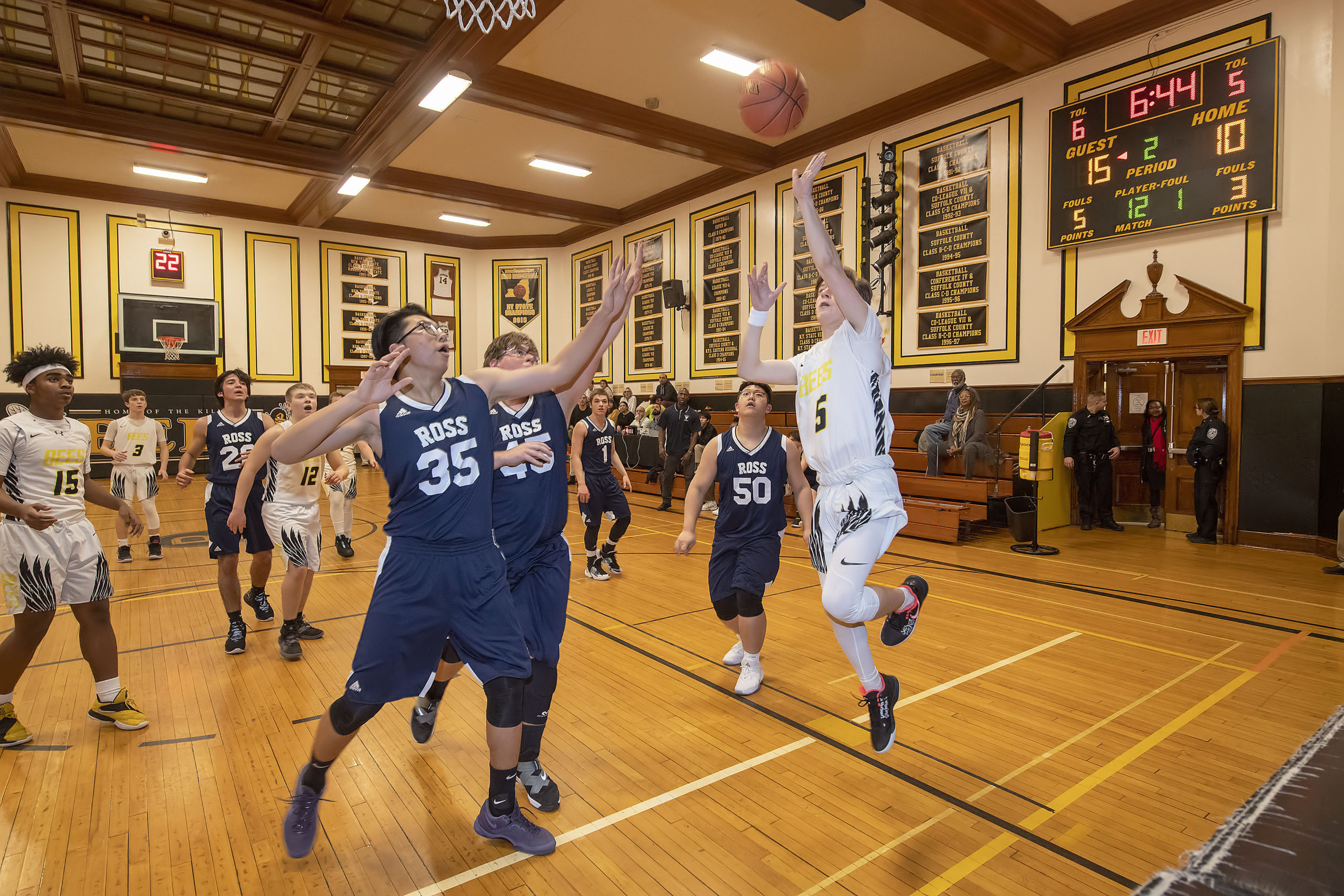 Bridgehampton's Scott Vinski goes in for a layup.