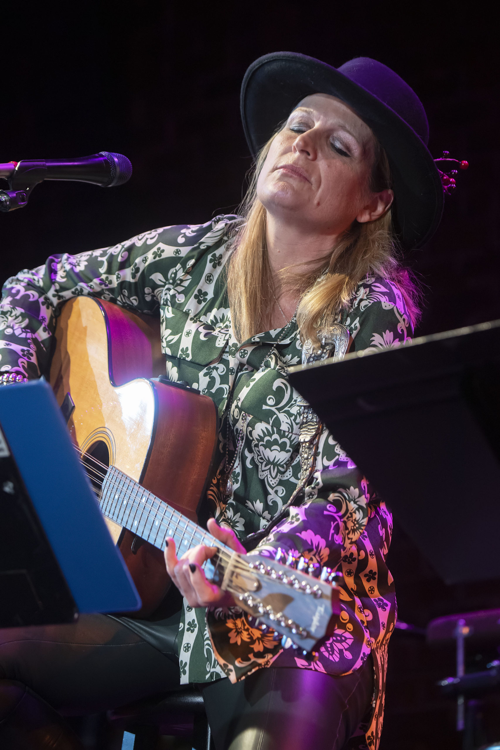 Nancy Atlas and her band performing with special guest Simon Kirke at Bay Street Theater on Saturday, January 4, during the first Fireside Session of 2020 .