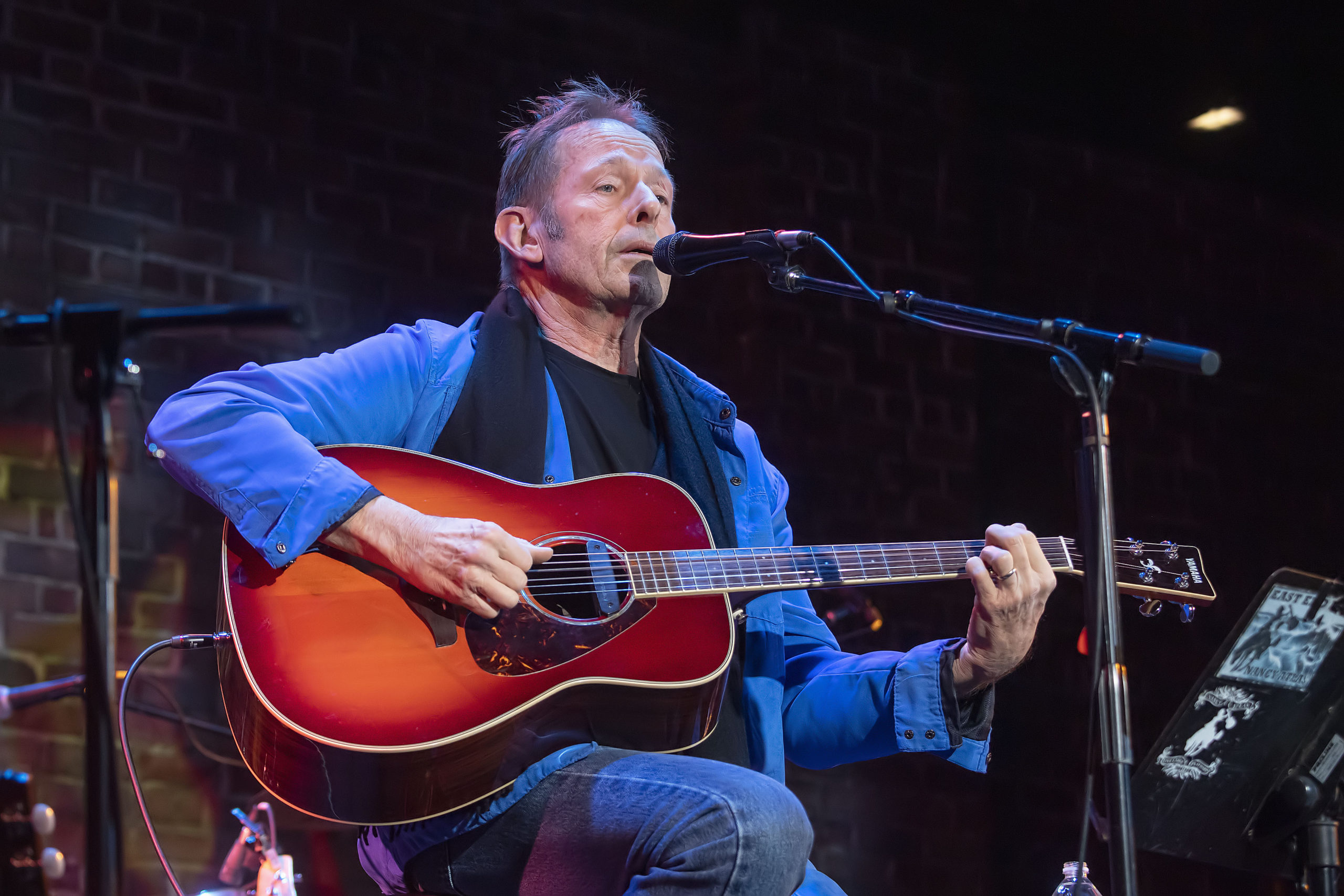 Nancy Atlas's special guest Simon Kirke at Bay Street Theater on Saturday, January 4, during the first Fireside Session of 2020 .