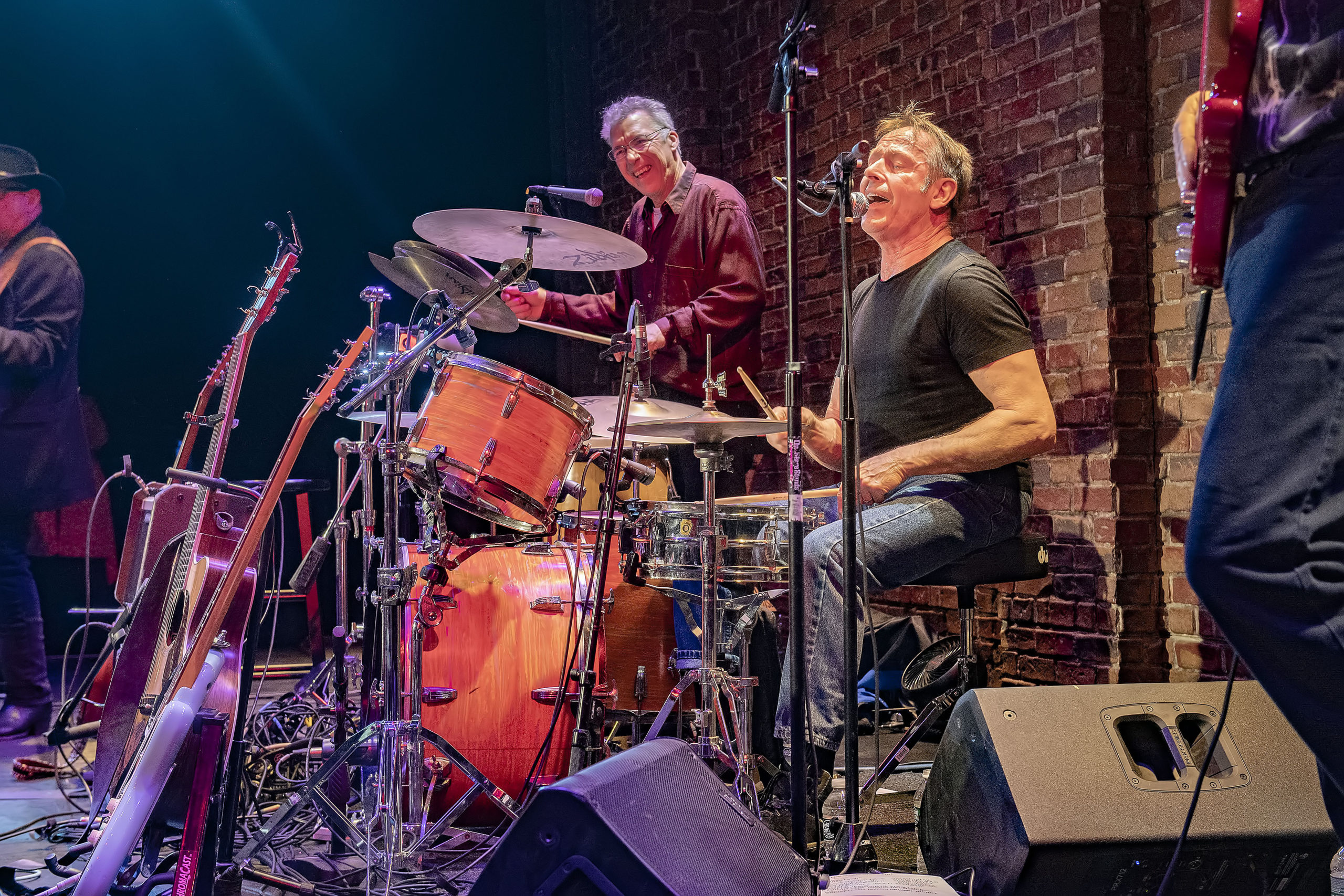 Nancy Atlas's special guest Simon Kirke on the drums at Bay Street Theater on Saturday, January 4, during the first Fireside Session of 2020 .