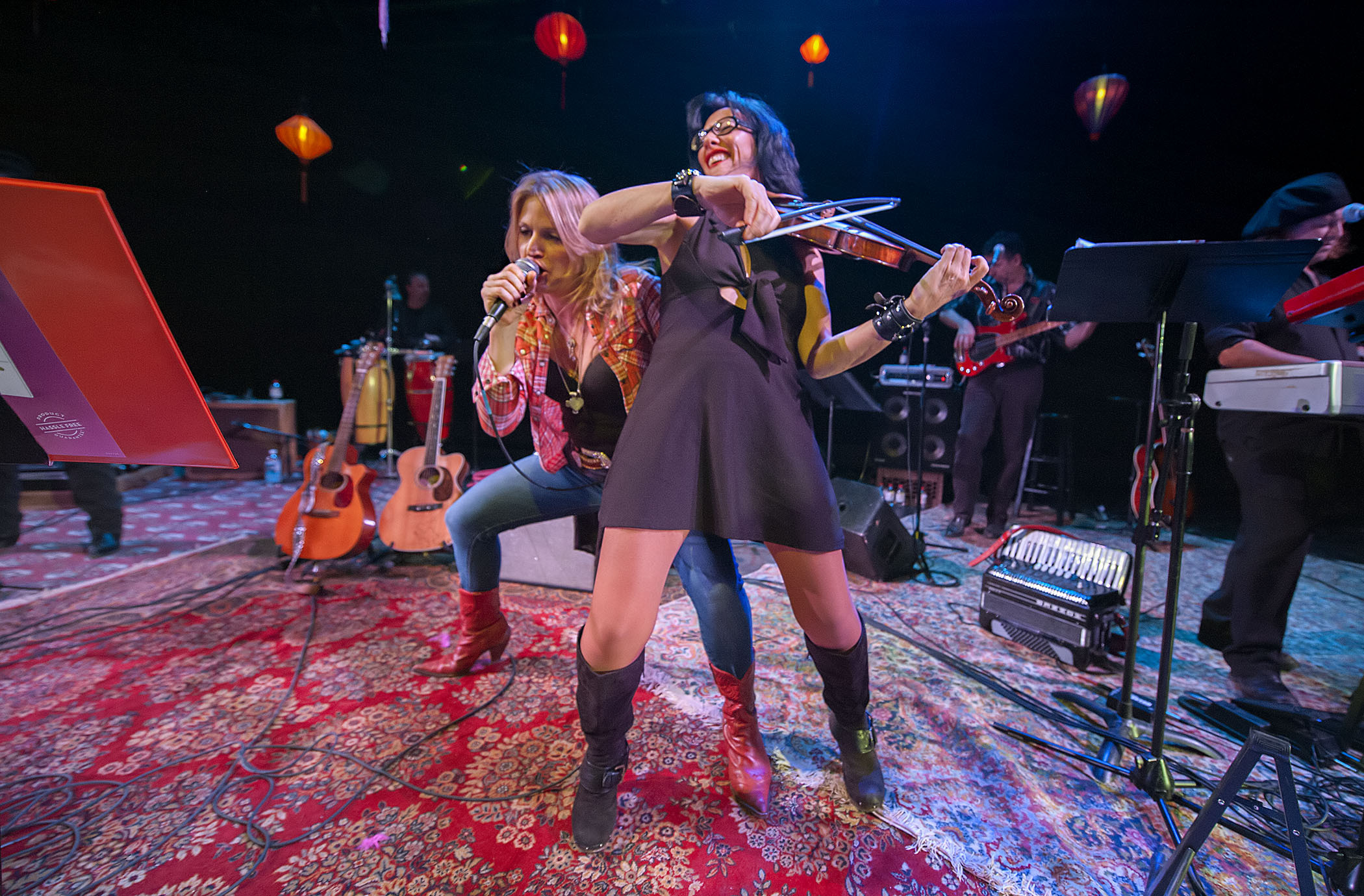Nancy Atlas performing with Randi Fishenfeld at Bay Street Theater during the Fireside Session on January 2, 2016.