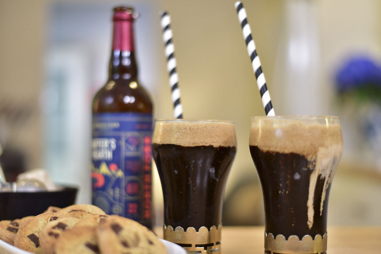 George Hirsch Lifestyle shot of sweet cheer with Chef George's Stout Coffee Ice Cream Float.
