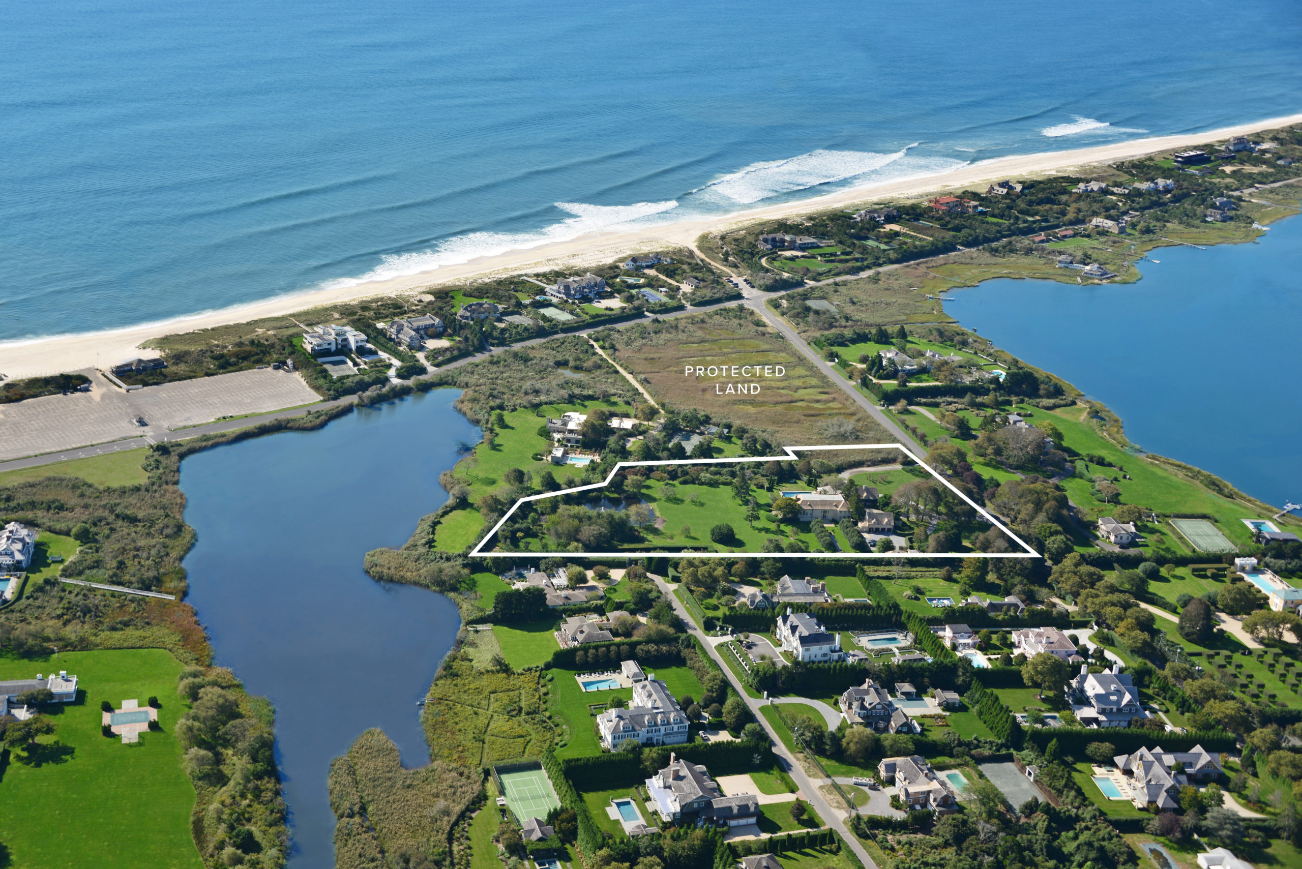 660 Halsey Neck Lane, Southampton, tied for the No. 10 Hamptons home sale of 2019.