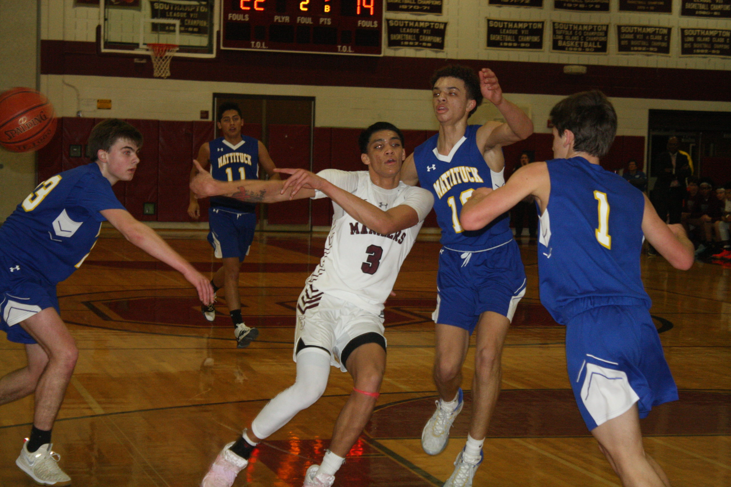 Southampton senior Dakoda Smith sends a no-look pass. He had a triple-double with 11 points, 16 rebounds and 10 assists.