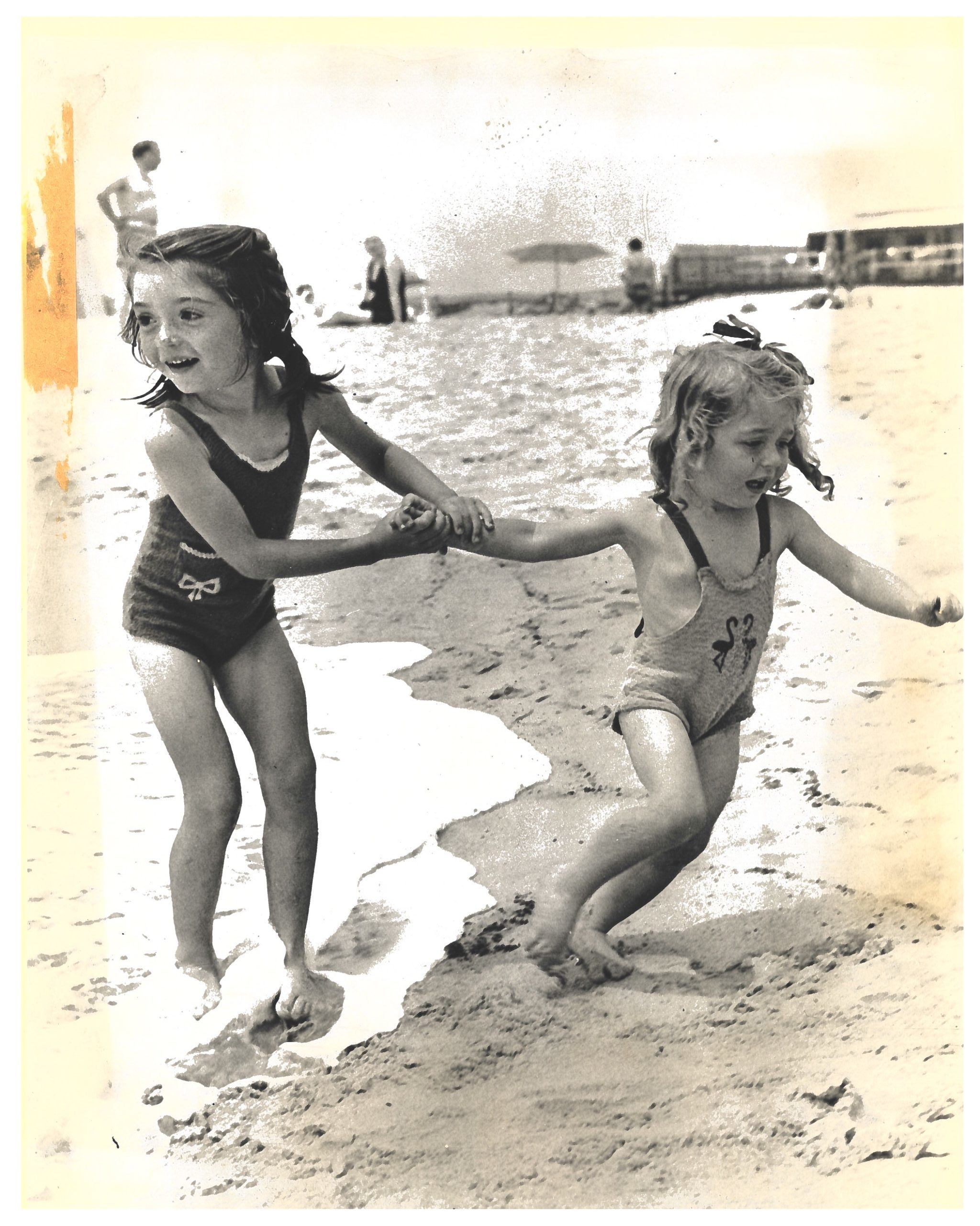 Lucy Thon and her little sister Adrienne at the Montauk Surf Club, July 8, 1942. COLLECTION OF THE EAST HAMPTON HISTORICAL SOCIETY