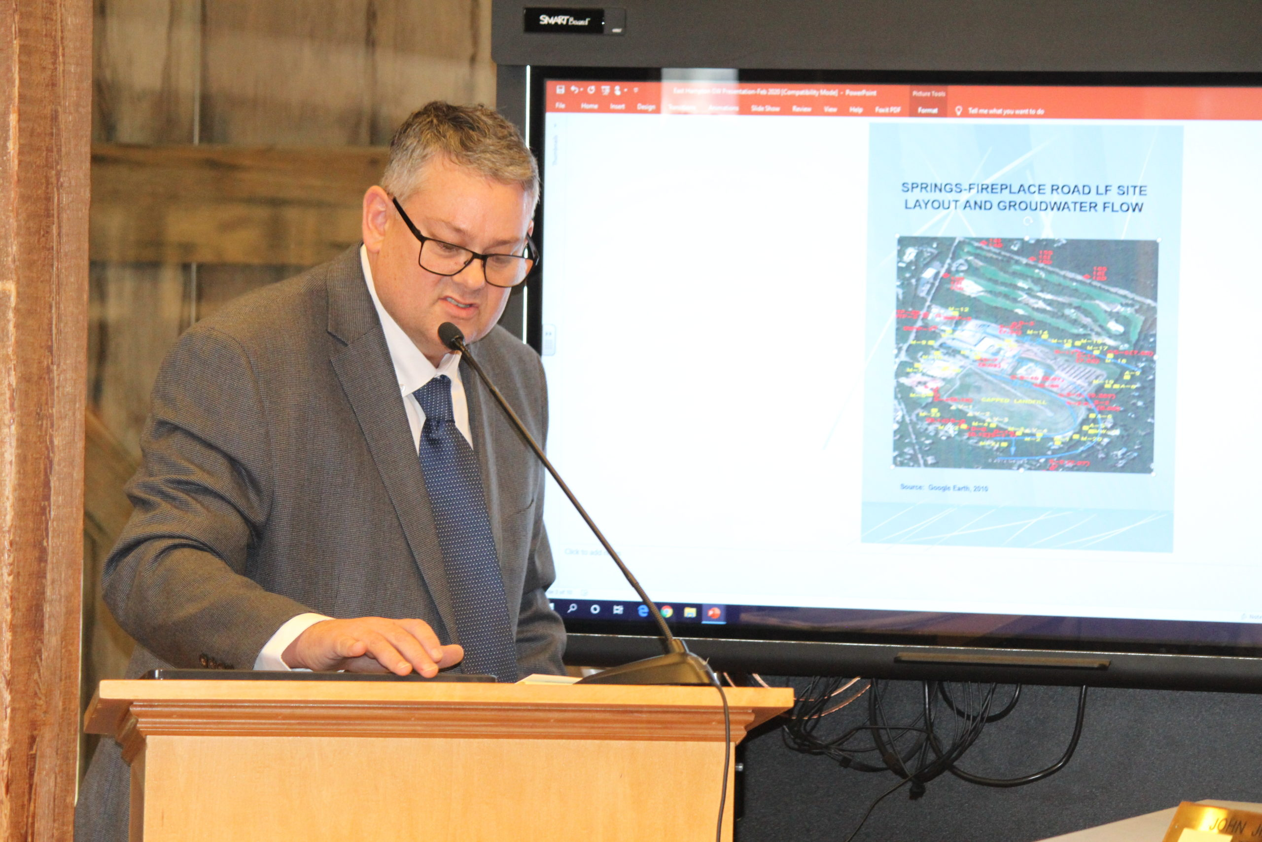 Engineer Benjamin Cancemi told the East Hampton Town Board this week that groundwater contamination below the former landfill is diminishing.