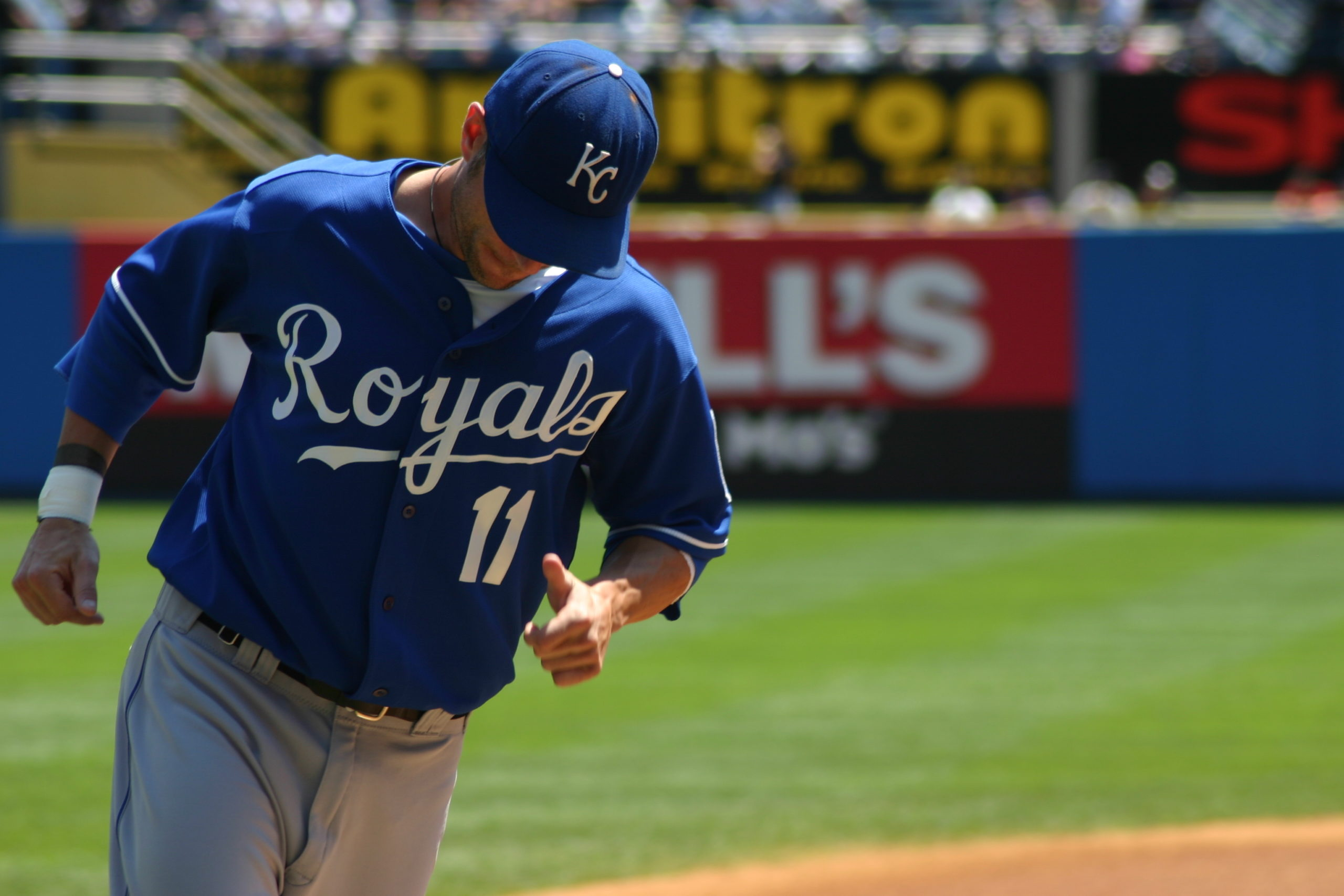 Ross Gload warming up for the Kansas City Royals at Yankee Stadium in 2007.   PRESS FILE