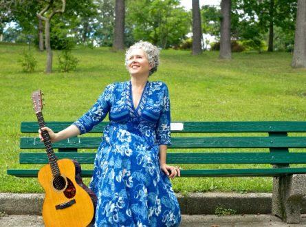 Intimate, Acoustic Kirtan with Brenda McMorrow