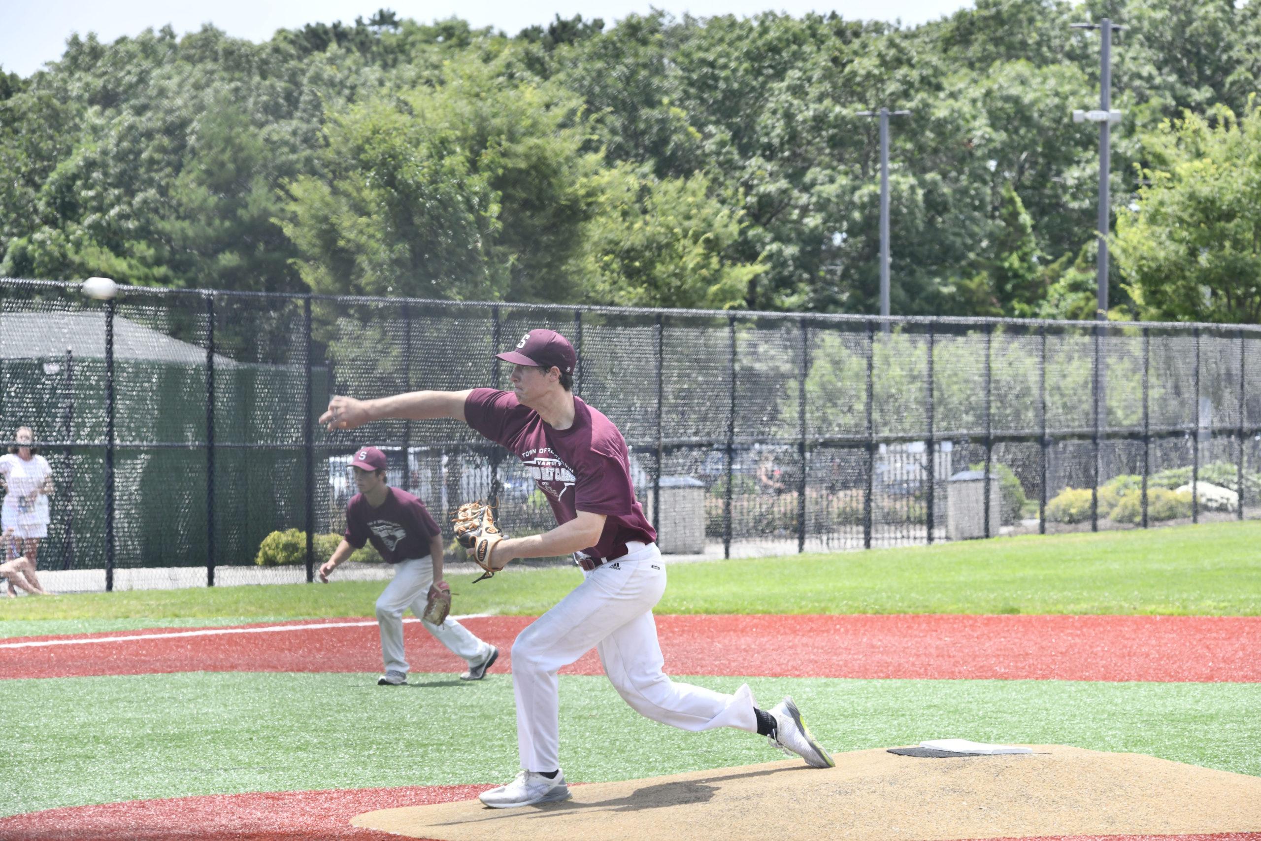 Mariner pitcher James Malone on the mound on Monday.
