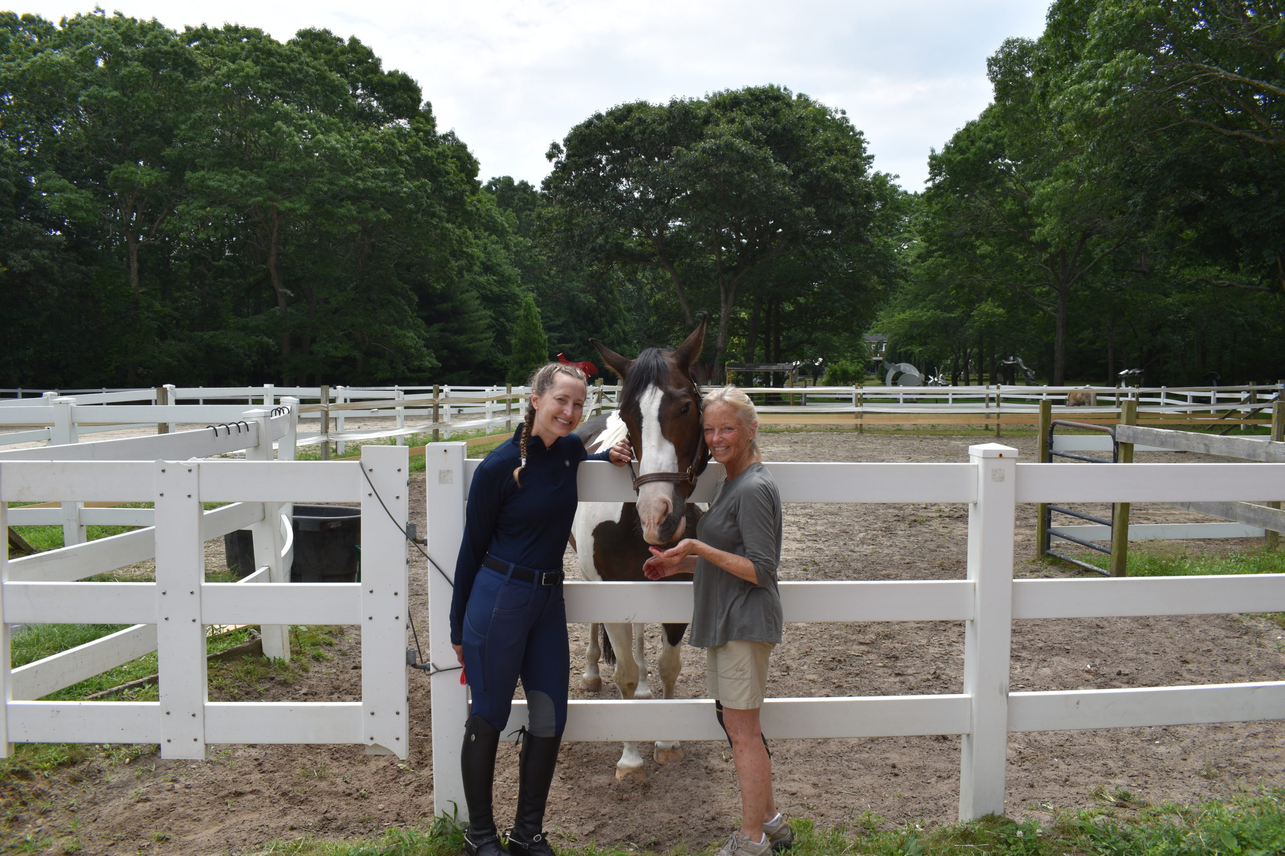 Amalie Bandelier and Karen Bocksel with their youngest horse, Paco.