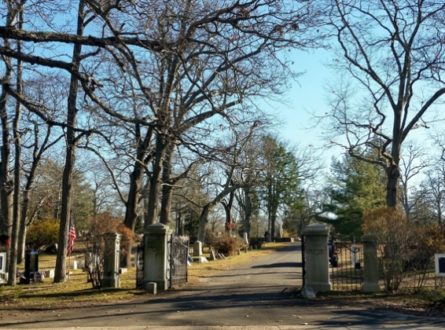A Tour of Sag Harbor's Oakland Cemetery
