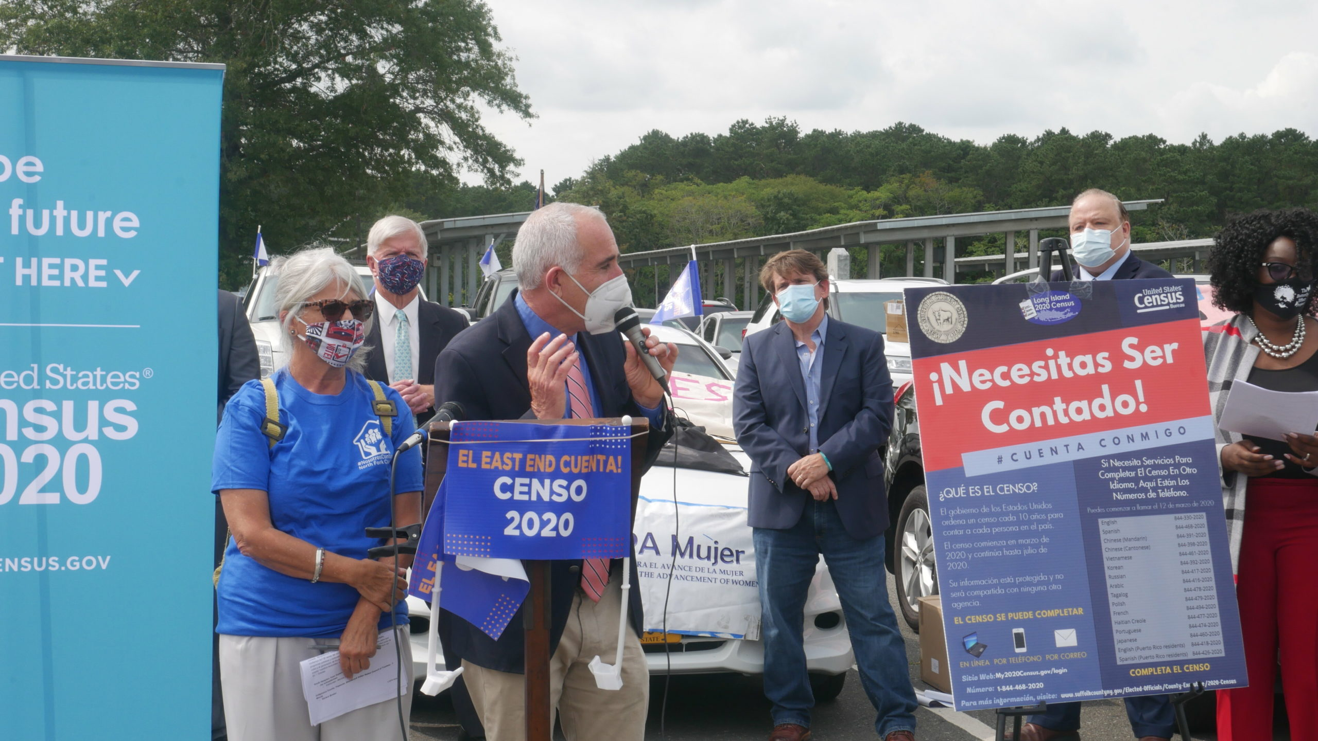 Southampton Town Supervisor Jay Schneiderman joined the rally.