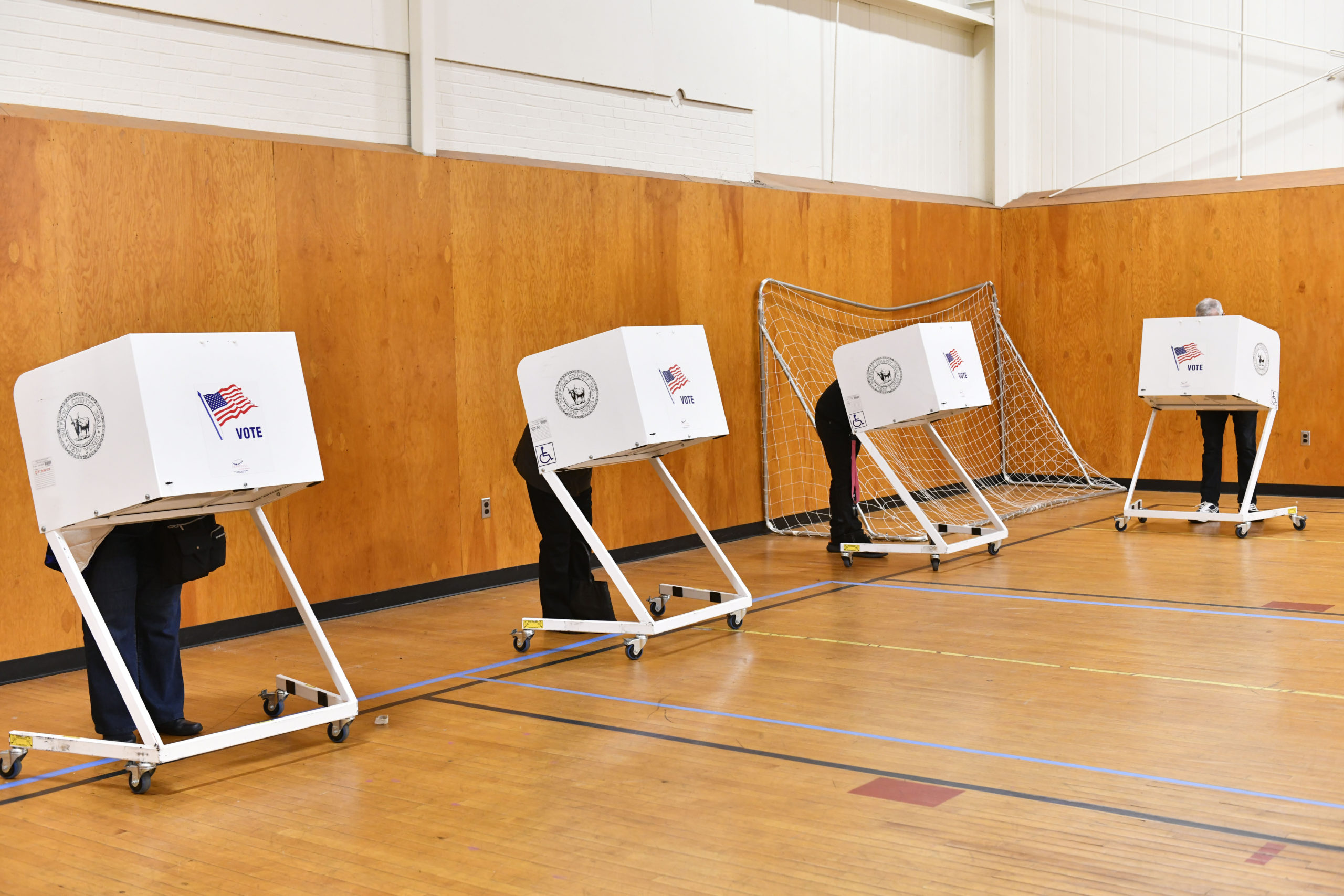 There was a steady stream of early voters at the Stony Brook Southampton gym on Monday morning.  Hundreds lined up over the weekend to get their ballot in early.   DANA SHAW